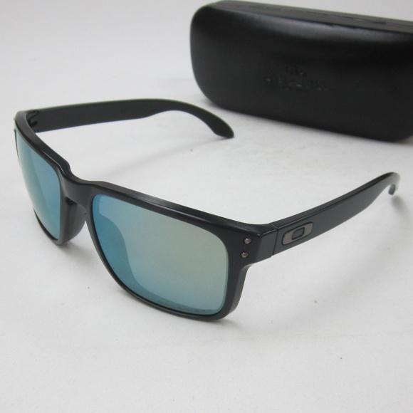 d68519743f Oakley HOLBROOK OO9102-50 Men s Sunglasses OLG750.  M 5b859d393c9844f707e09588
